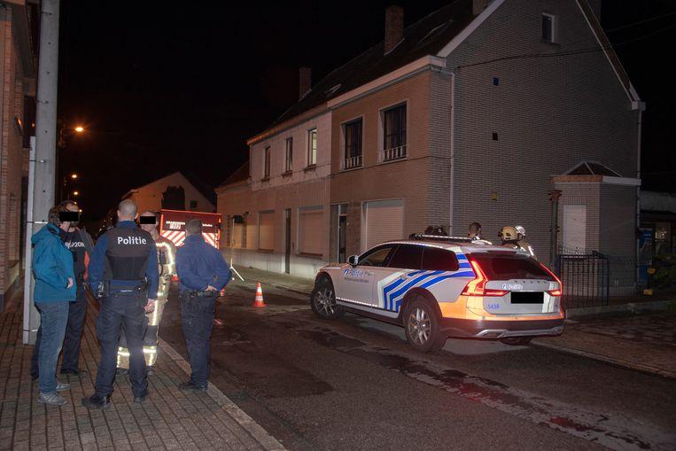 Op Hekkergem in Schellebelle werd woensdagavond een grote cannabisplantage ontdekt in twee woningen.