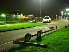 Bestuurder vlucht na crash tegen lantaarnpaal in Nieuwegein