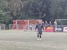Jhon van Beukering is keeper bij SC Veluwezoom en houdt de nul tegen Driel