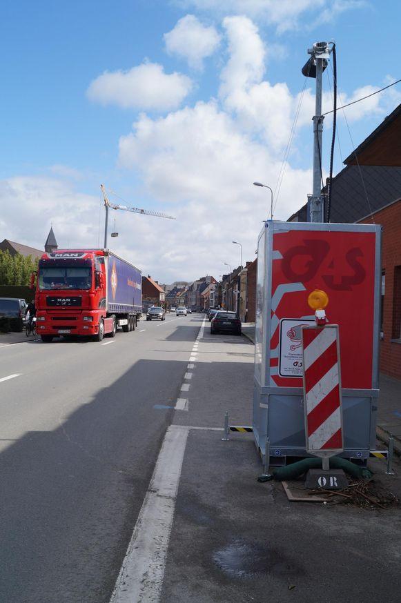 Deze vrachtwagensluis kan u spotten in de Hoogstraat.