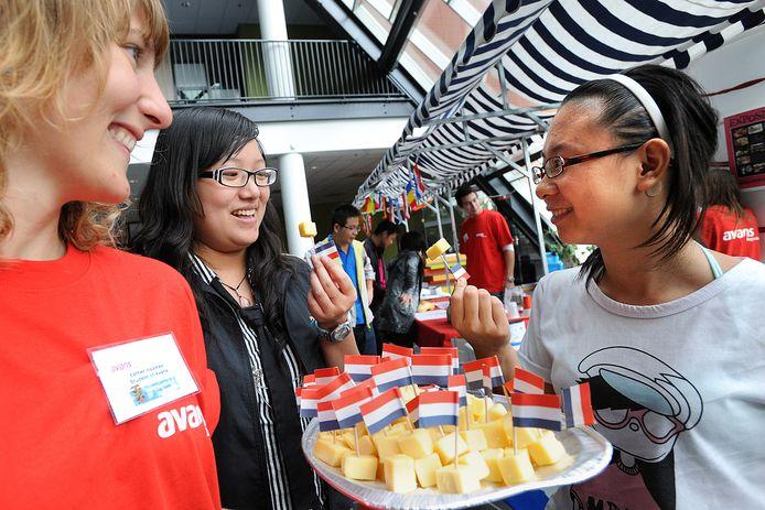 Internationale studenten kiezen niet alleen voor een bepaalde opleiding in het buitenland, ze willen er ook studenten leren kennen, de cultuur opsnuiven en genieten van een bruisend studentenleven.