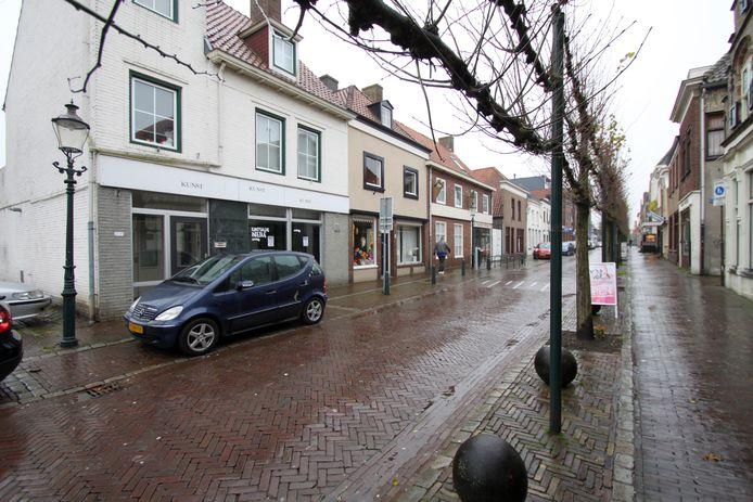 Deze panden in de Molenstraat in Zevenbergen moesten wijken voor een nieuw woon- en winkelcomplex.