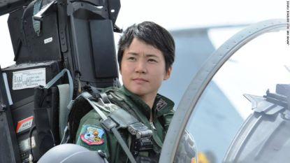 Ze was verzot op Top Gun, nu is ze de eerste vrouwelijke Japanse gevechtspiloot