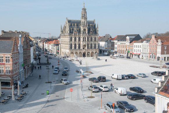 Wordt het stadhuis van Oudenaarde over enkele jaren ook dat van een of meerdere buurgemeenten?