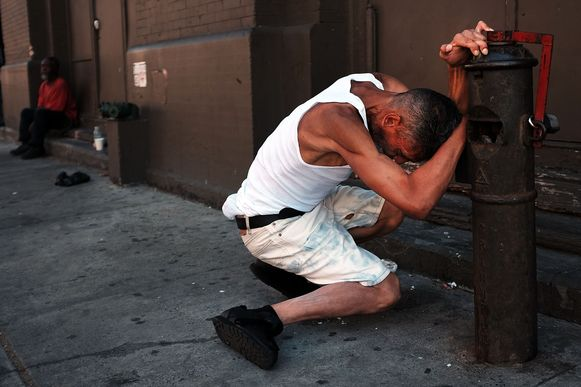 Persbureau AFP maakte in augustus 2015 deze soms schokkende beelden van drugsverslaafden op straat in East Harlem.