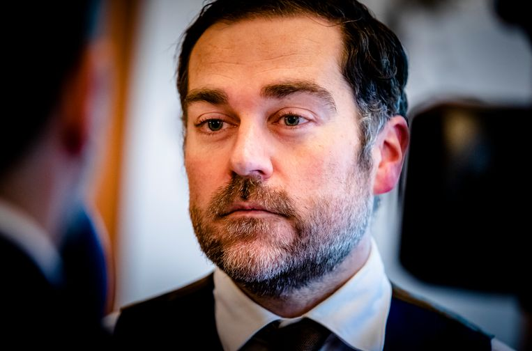 VVD-fractievoorzitter Klaas Dijkhoff staat dinsdag de pers te woord. Beeld ANP