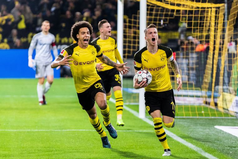 Reus en Witsel (links).