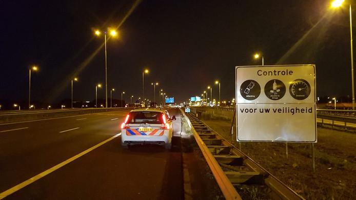 De politie gaat de komende maanden extra controleren op de A15.