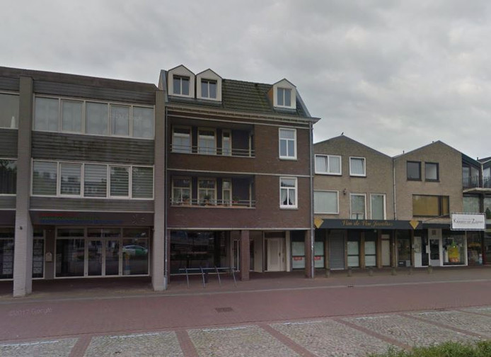 Het pand aan het Sint Agathaplein in Boekel waar de gemeente voorkeursrecht op heeft gevestigd.