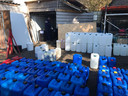 De politie doet onderzoek bij het drugslab in Brakel.