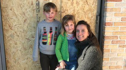 Dieven slaan zeven keer toe en stelen ketting van 5-jarig meisje