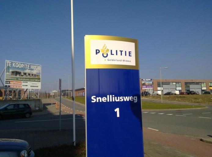Hoofdkantoor van de politie Gelderland-Midden aan de Snelliusweg in Arnhem. Foto Harold Schuil/De Gelderlander
