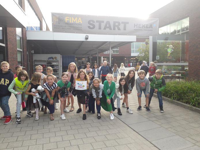De leerlingen van de Staakteschool starten het schooljaar dit jaar op sportieve wijze.