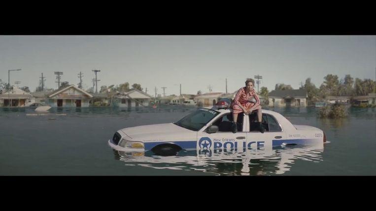 Still uit de videoclip van Formation. Beeld null