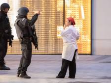 Ooggetuige aanslag Wenen: 'Ze vuurden minstens honderd kogels af net buiten ons gebouw'