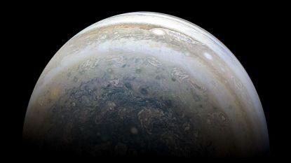 In één klap 12 nieuwe manen ontdekt rond Jupiter en er zit een kamikazepiloot bij