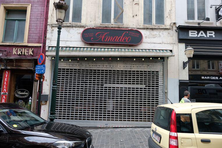 De vestigingen van de restaurantketen Amadeus in Brussel en in Kruishoutem werden vandaag gesloten door het FAVV.