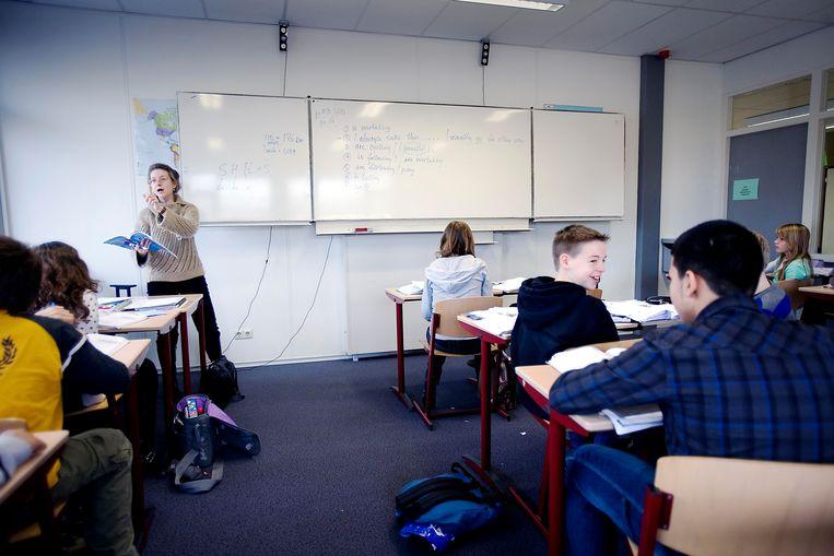 Engels op een gymnasium. Nederlandse scholen verdelen hun leerlingen jonger dan in andere landen over verschillende niveaus. Foto: Werry Crone Beeld