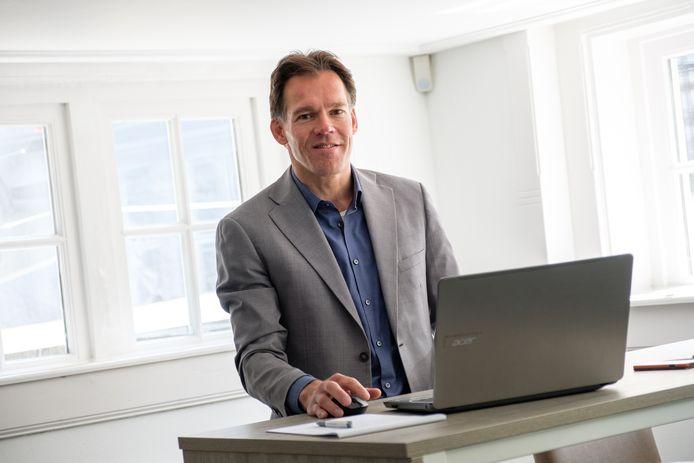 Frans Landstra, eigenaar van het Zwolse Hanzeadvocaat, een bureau dat is gespecialiseerd in arbeidsrecht.