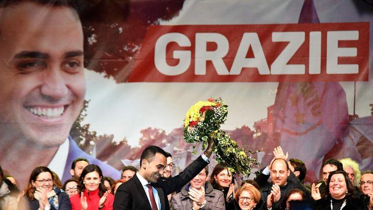 Luigi di Maio viert feest na de verkiezingszege van de Vijfsterrenbeweging. Beeld null