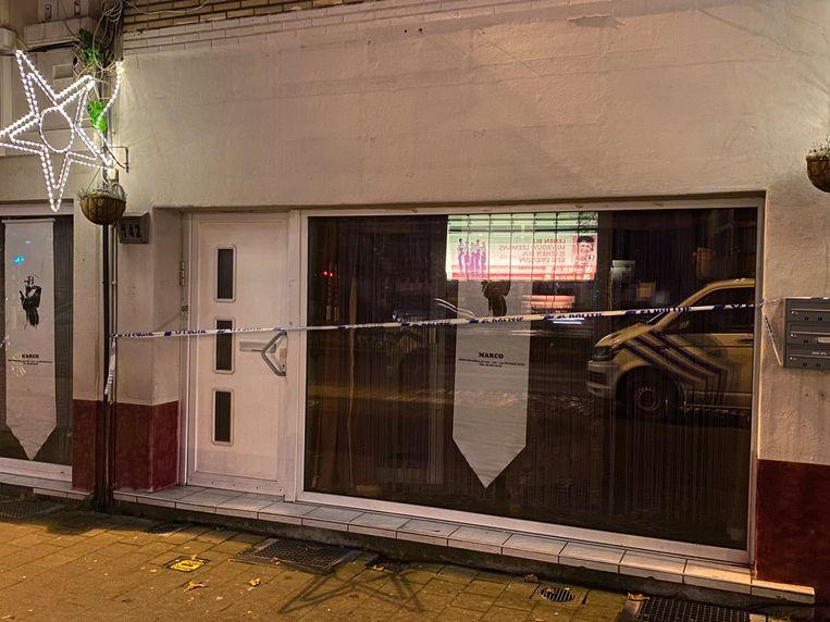 Het appartementsgebouw op de Herentalsebaan is momenteel afgesloten door de politie