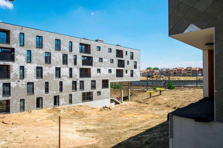Woonproject Klein Rijsel, langs de spoorweg tussen het Provinciehuis en de Tiensesteenweg.