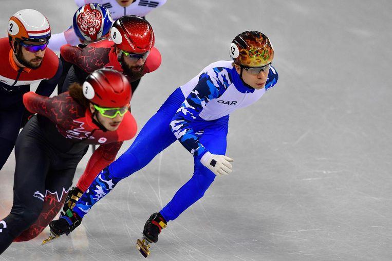 De Russische Semen Elistratov in de 1500m shorttrack op de Winterspelen in het Gangneung stadion. Beeld afp