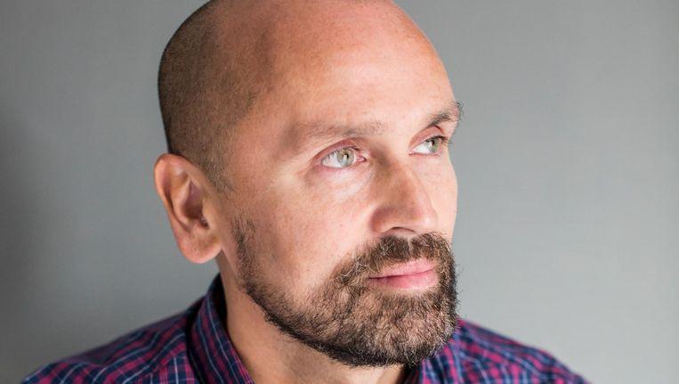 Philip Meelhuysen (47): 'Zelf loog ik bij online daten over mijn leeftijd, zodat ik niet automatisch buiten de zoekopdracht van de jonkies viel' Beeld Eva Plevier