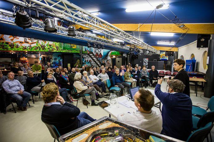 Bijeenkomst Wijkraad Brouwhuis over stankoverlast.