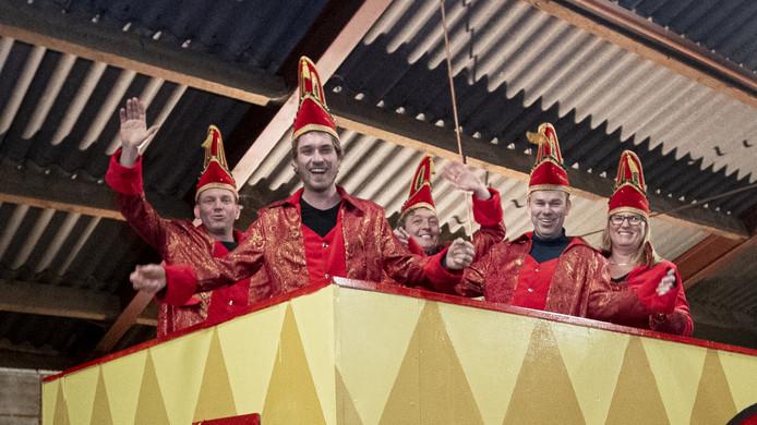 De leden van de kersverse carnavalsvereniging van Kloosterhaar hebben er zin in.