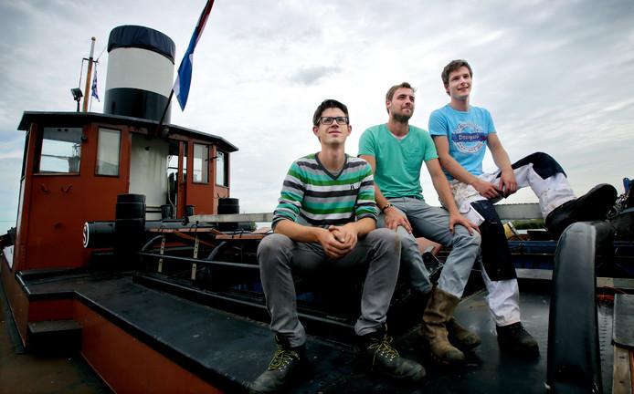 Alexander Rokven, Rogier Hettich en Jesse Brentjes op de Gebroeders Bever, vlak na de aankoop.