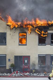 Grote brand in pand Tasche Staalbouw in Albergen onder controle
