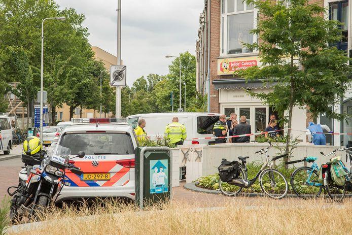 De politie tijdens het onderzoek vlak na de moord