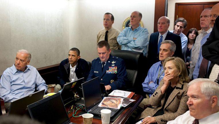 De Amerikaanse president Obama en zijn team volgen de de missie tegen Osama bin Laden op 1 mei 2011. Beeld null