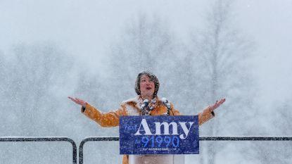 Trump steekt draak met nieuwe klimaatbewuste presidentskandidate die speecht in sneeuwstorm