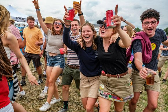 Op de camping gingen de festivalgangers ook helemaal uit de bol.