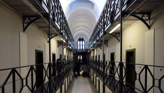 Les couloirs de la prison de Mons.