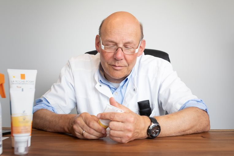 Dermatoloog Thomas Maselis