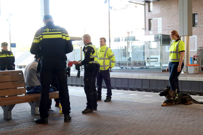 Controle op station Breda