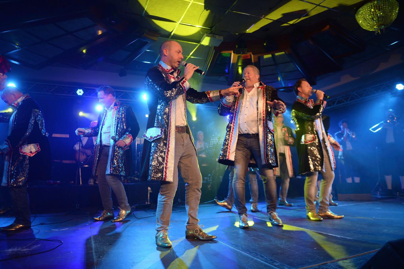 8xFlut won zaterdagavond de strijd om het Oldenzaalse carnavalslied 2020.