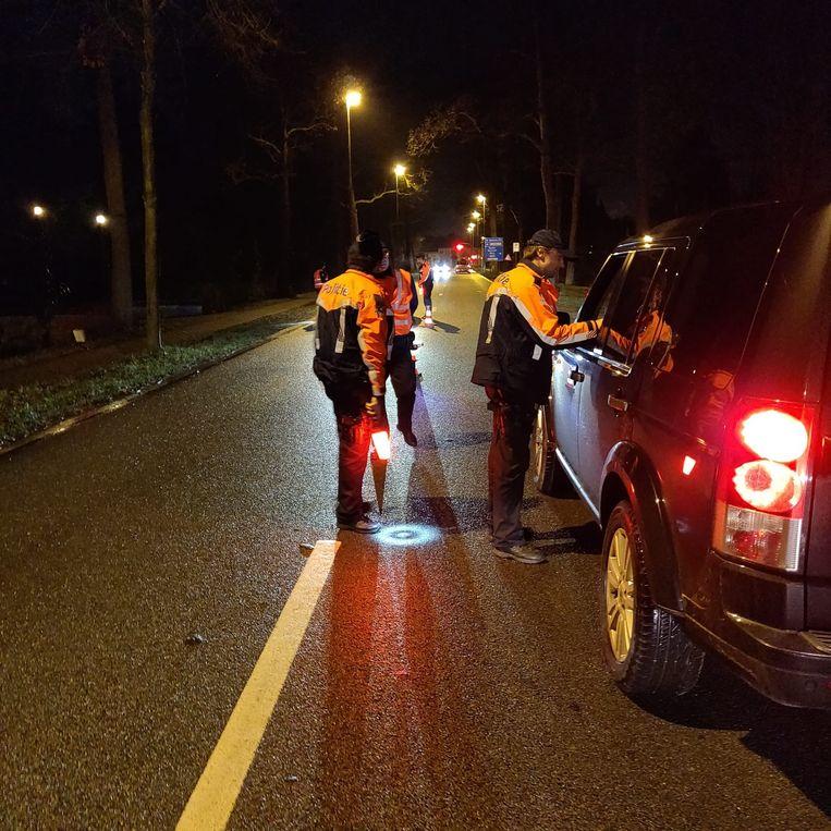 De politie kon twee vermoedelijke drugsdealers arresteren.