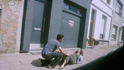 PREVIEW. Zwangere vrouw bevalt op straat in 'Hoe Zal Ik Het Zeggen?'