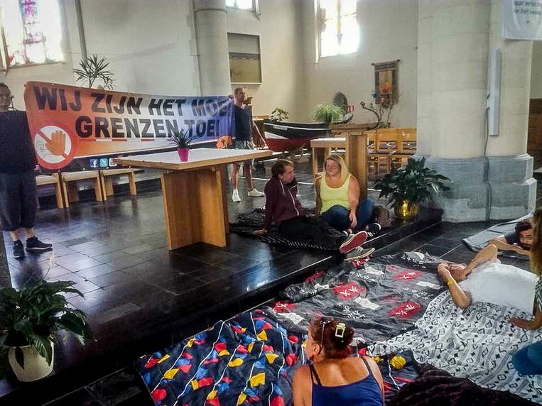 Zeebrugge archief actie voorpost in kerk