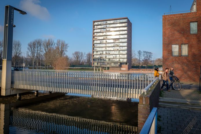 De vve van de Watertorenflat aan de Van Maanenstraat in Schiedam krijgt nog zo'n 75.000 euro.