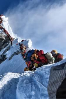 Embouteillages mortels sur l'Everest: la photo qui donne le vertige