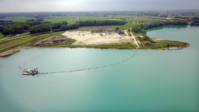 Zandwinplas De Uivermeertjes in Deest.