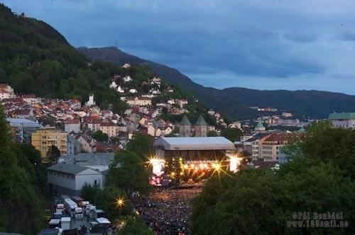 A Bergen, Iron Maiden s'est produit au coeur de la forteresse médiévale.
