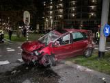 Auto in puin na harde crash op Johan de Wittlaan in Arnhem