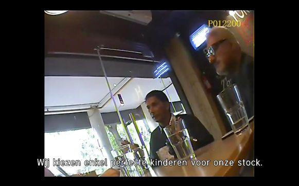 Trafiek Axel - Axel Daeseleire koopt een kind