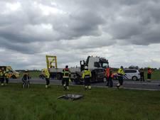 Gewonde bij aanrijding met pijlwagen op Maas- en Waalweg